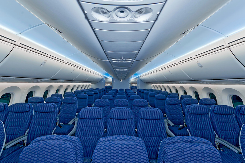 united-787-interior-economy-plus-2